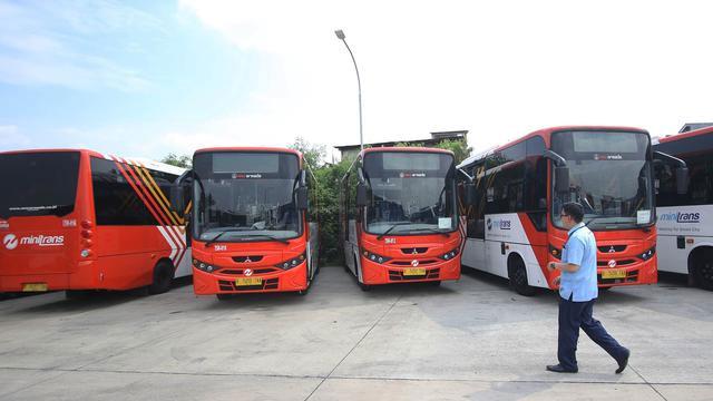 Derita Penguasa Bus, Operasi Setop Hingga Rumahkan Karyawan