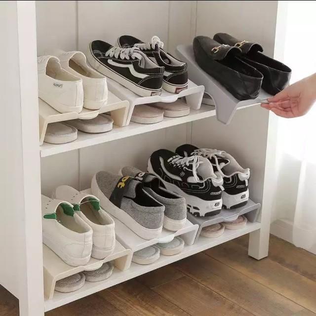 Tips Mencegah Munculnya Jamur di Sepatu
