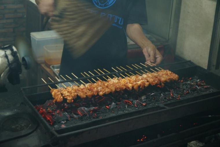 Membuka Bisnis Kuliner Sate Padang