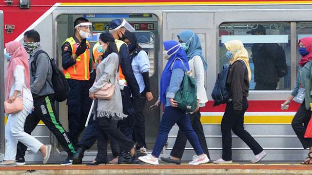 Kereta Reguler Operasi Kembali 12 Juni, Kapasitas 70 Persen